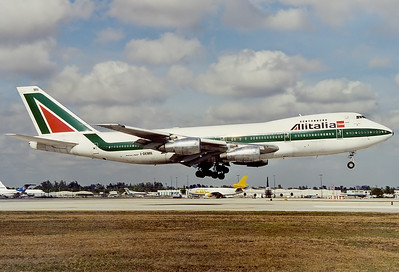 Alitalia Boeing 747-243B 	 Miami - Intl. (MIA / KMIA) USA - Florida, January 2001  I-DEMN (cn 22512/542) The Classic B747 is now history for Alitalia, seen here over the numbers Rwy 12.