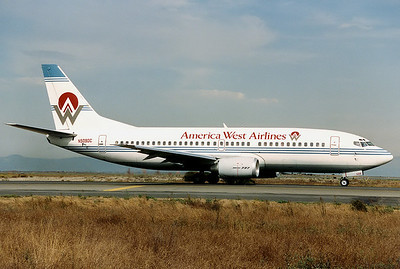 America West Airlines Boeing 737-33A San Francisco - International (SFO / KSFO) USA - California, October 1991 N509DC (cn 23636/1438) Ready for a departure off RWY 01R.