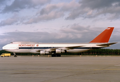 Northwest Airlines Boeing 747-251B  	Nuremberg (NUE / EDDN) Germany, May 1991 Reg: N614US  Cn: 20359/163 Operating a military charter flight after Gulf War 1.