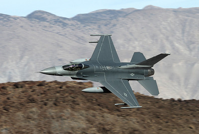 USA - Air Force General Dynamics F-16C Fighting Falcon (401) Off-Airport - Rainbow Canyon Area USA - California, November 21, 2012 Reg: 86-0296 Cn: 5C-402 A California Air National Guard Viper out of Fresno is entering the Canyon at high speed.