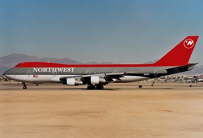 Northwest Airlines Boeing 747-251B  Las Vegas - McCarran Intl. (LAS / KLAS) USA - Nevada, January 1999 Reg: N622US Code: 6622 Cn: 21704/357