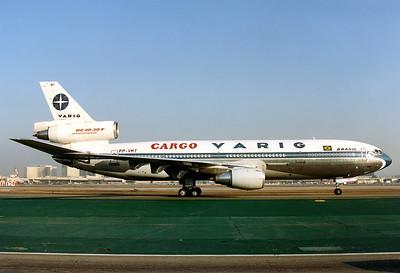 Varig Cargo McDonnell Douglas DC-10-30(F)  Los Angeles - Intl.- (LAX / KLAX) USA - California, October 1991 Reg: PP-VMT  Cn: 47841/329