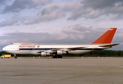 Northwest Airlines Boeing 747-251B  Nuremberg (NUE / EDDN) Germany, May 1991 Reg: N614US  Cn: 20359/163 Operating a military charter flight after Gulf War 1.