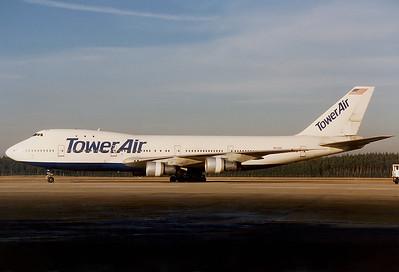 Tower Air Boeing 747-127  Nuremberg (NUE / EDDN) Germany, December 1990 Reg: N601BN  Cn: 20207/100 The former 'Big Orange' of Braniff Int.