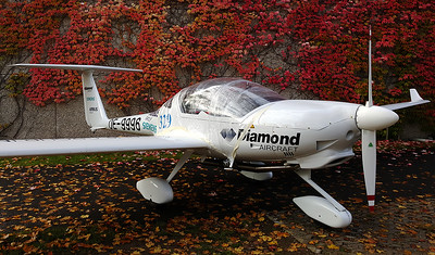 Diamond Aircraft Industries Diamond HK-36 E-Star Off-Airport - Siemens Erlangen Germany, October 23, 2015 Reg: OE-9996  Cn: 36.859 Technology Demonstrator: This Diamond E-Star is the world's first production hybrid aircraft. Within its unique drive system, the engine is not linked to the propeller. A 70-kw electric motor powers the propeller, using energy from a battery in the wings. It's engine produces energy for the electric motor, via a generator that recharges the batteries.